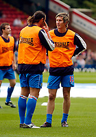 Fotball<br /> Foto: SBI/Digitalsport<br /> NORWAY ONLY<br /> <br /> Blackburn Rovers v Manchester United<br /> Barclays Premiership, 28/08/2004<br /> <br /> New Blackburn signing Morten Gamst Pedersen (R) has a chat with team mate Tugay before the game.