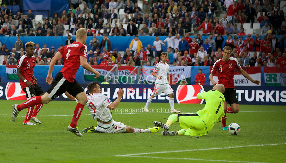 BORDEAUX, FRANCE - Monday, June 14, 2016: Hungary's Adam Szalai scores his sides first goal to make the score 1-0 during the UEFA Euro 2016 Championship match against Austria at Stade de Bordeaux. (Pic by Paul Greenwood/Propaganda)