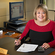Executive portrait of mortgage banker Nancy grab of Union Bank photographed by Dallas corporate photographer Morton Visuals for Five Star Professional.