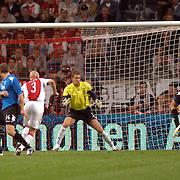 NLD/Amsterdam/20060823 - Ajax - FC Kopenhagen, schot op het doel van Lars Jacobsen
