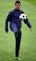 GEPA-0606081283 - GENF,SCHWEIZ,06.JUN.08 - FUSSBALL - UEFA Europameisterschaft, Vorbereitung auf die EURO 2008, Nationalteam Portugal, Trainingslager in Genf, Abschlusstraining POR. Bild zeigt Cristiano Ronaldo (POR).<br />Foto: GEPA pictures/ Walter Luger