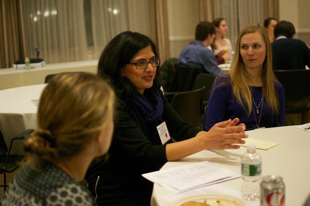 3/5/15 – Medford/Somerville, MA – Tufts Alumni Shuba Satyaprasad (A96) talks to students interested in law professions as a part of the 2015 Law Day on the Hill program by the Tufts Lawyers Association on Thursday, Mar. 5, 2015. (Sofie Hecht / The Tufts Daily)