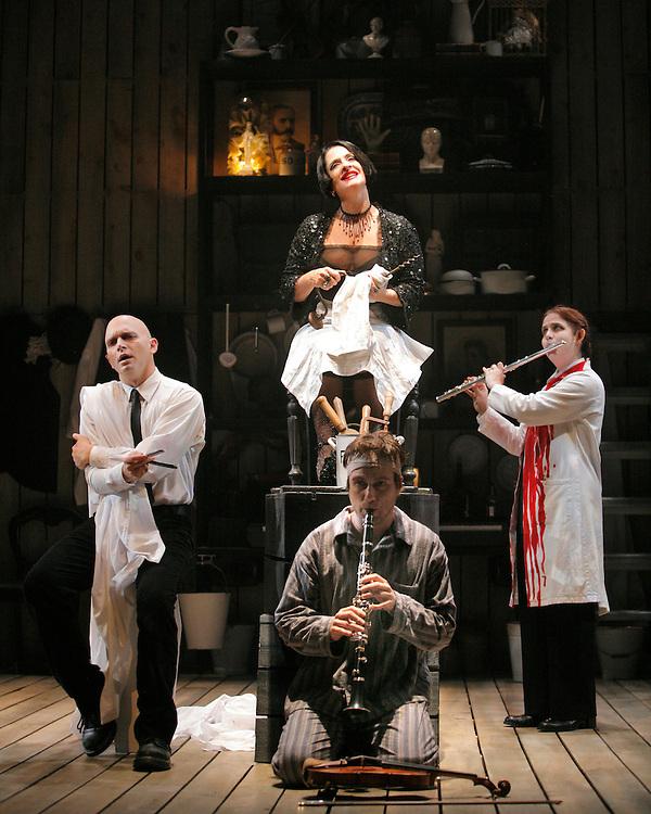 Sweeney Todd.Broadway Production.October 3, 2005.Credit Photo ©Paul Kolnik.NYC 212.362.7778.studio@paulkolnik.com..