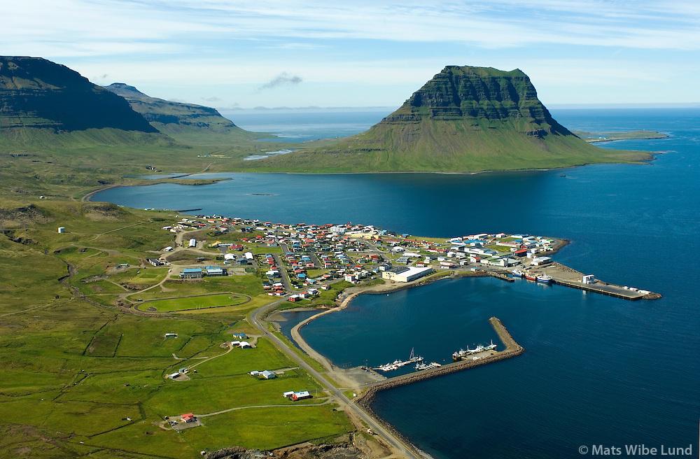 Grundarfjörður, Kirkjufell séð til vesturs, Eyrarsveit / Grundarfjordur and mount Kirkjufell viewing west, Eyrarsveit