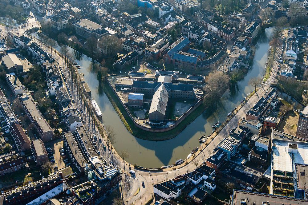 Nederland, Utrecht, Utrecht, 07-02-2018; Wittevrouwensingel met Wolvenplein, voormalige gevangenis aan het Wolvenplein op het vroegere bolwerk Wolvenburg. Was Penitentiaire Inrichting (PI) voor veelplegers en verslaafden. Stadsgevangenis of Huis van Bewaring Wolvenplein.<br /> Former Prison on the former stronghold Wolves Burg. Penitentiary Institution (PI) for persistent offenders and addicts. City Jail <br /> <br /> luchtfoto (toeslag op standard tarieven);<br /> aerial photo (additional fee required);<br /> copyright foto/photo Siebe Swart