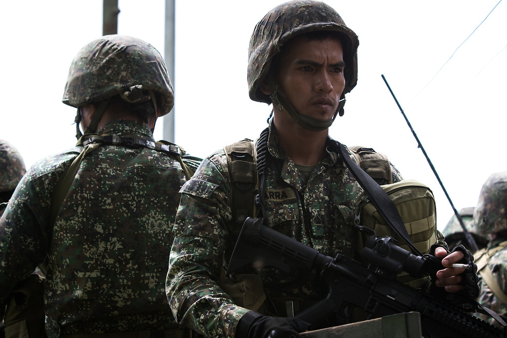 MARAWI, PHILIPPINES - JUNE 9: Philippine troops prepares to attack the remaining islamist rebels inside of a NO GO ZONE area in Marawi city, southern Philippines on June 9, 2017. Philippine military jets fired rockets at militant positions on Friday as soldiers fought to wrest control of the southern city from gunmen linked to the Islamic State group. (Photo: Richard Atrero de Guzman/NUR Photo)