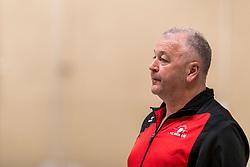 17-03-2018 NED: Prima Donna Kaas Huizen - VC Sneek, Huizen<br /> PDK verliest kansloos met 3-0 van Sneek / Trainer coach Rob Spaanstra