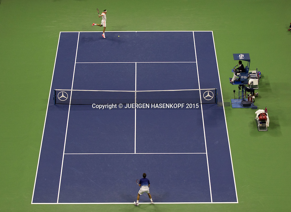 US Open Feature, Arthur Ashe Stadium von oben,Semi Final Stan Wawrinka (vorne) und Roger Federer<br /> <br /> Tennis - US Open 2015 - Grand Slam ITF / ATP / WTA -  Flushing Meadows - New York - New York - USA  - 11 September 2015.