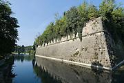 Festung, Festungsgraben, Peschiera del Garda, Venetien, Italien | Moat, Peschiera del Garda, Veneto, Italy