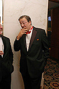 Stephen Fry. Kensington and Chelsea LEPRA Committee Ball. Savoy. 21 April 2005. ONE TIME USE ONLY - DO NOT ARCHIVE  © Copyright Photograph by Dafydd Jones 66 Stockwell Park Rd. London SW9 0DA Tel 020 7733 0108 www.dafjones.com