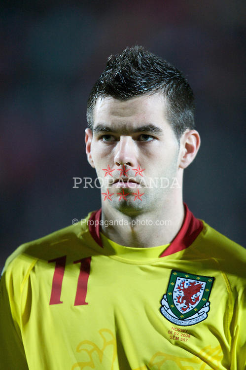 WREXHAM, WALES - Wednesday, February 6, 2008: Wales' Joe Ledley before the international friendly match against Norway at the Racecourse Ground. (Photo by David Rawcliffe/Propaganda)