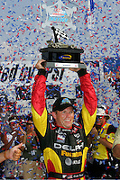 Scott Sharp wins at the Kentucky Speedway, Kentucky Indy 300, August 14, 2005