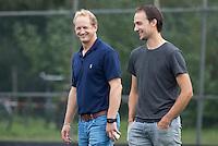 AMSTELVEEN - Hockey - Coach Simon Organ (Hurley)  met assistent Karel Klaver  voor de hoofdklassewedstrijd heren HURLEY-PINOKE (1-1). COPYRIGHT KOEN SUYK.