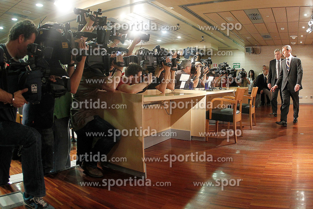 26.06.2013, Estadio Santiago Bernabeu, Madrid, ESP, Primera Division, Real Madrid, Praesentation Trainer Carlo Ancelotti, im Bild Real Madrid's new coach Carlo Ancelotti (l) with Emilio Butragueño, Director of Football Schooll // during official presentation of Spanish Primera Division club Real Madrid new coach Carlo Ancelotti at the Estadio Santiago Bernabeu, Madrid, Spain on 2013/06/26. EXPA Pictures © 2013, PhotoCredit: EXPA/ Alterphotos/ Acero<br /> <br /> ***** ATTENTION - OUT OF ESP and SUI *****