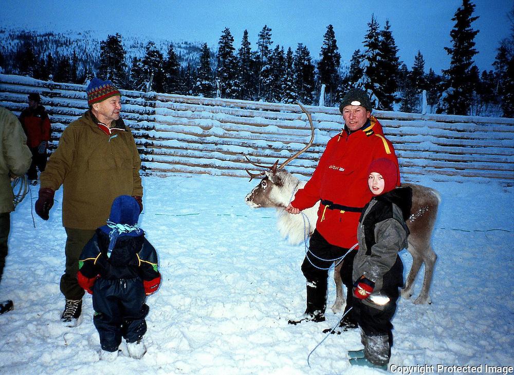 &Aring;lmoseterdalen des. 99<br /> Jonar, Anja, Tove, Bernt, Knerten