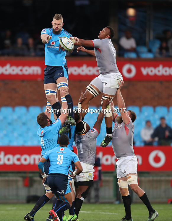 Rudolph Snyman of the Bulls wins ball in line out from Lubabalo Mtyanda of the Kings during the 2017 Super Rugby match between the Bulls and Kings at Loftus Stadium, Pretoria on 08 July 2017 ©Gavin Barker/BackpagePix