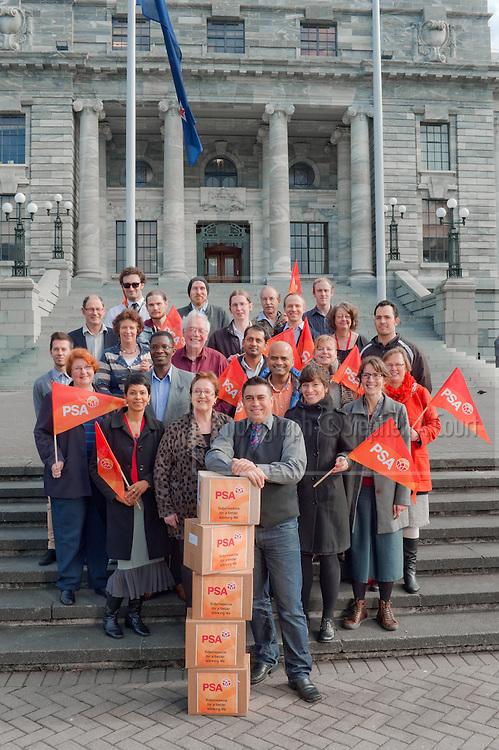 New Zealand Public Service Association members at Parliament, Wellington, NZ.  Photo credit: Stephen A'Court.  COPYRIGHT ©Stephen A'Court