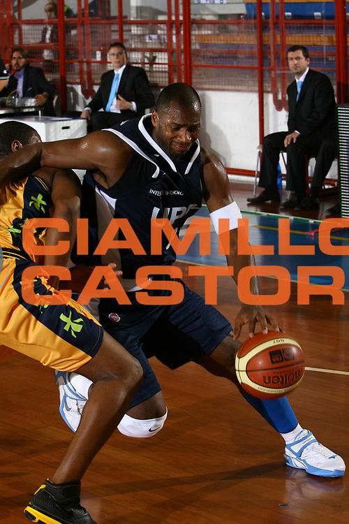 DESCRIZIONE : Porto San Giorgio Lega A1 2007-08 Premiata Montegranaro Upim Fortitudo Bologna <br /> GIOCATORE : Torres Oscar <br /> SQUADRA : Upim Fortitudo Bologna <br /> EVENTO : Campionato Lega A1 2007-2008 <br /> GARA : Premiata Montegranaro Upim Fortitudo Bologna <br /> DATA : 06/10/2007<br /> CATEGORIA : Penetrazione <br /> SPORT : Pallacanestro <br /> AUTORE : Agenzia Ciamillo-Castoria <br /> Galleria : Lega Basket A1 2007-2008 <br /> Fotonotizia : Porto San Giorgio Campionato Italiano Lega A1 2007-2008 Premiata Montegranaro Upim Fortitudo Bologna <br /> Predefinita :