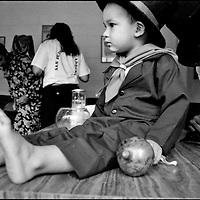 NI—OS DE PORAI - Homenaje a Mariano Diaz.Photography by Aaron Sosa.La Parranda de San Pedro.Guarenas, Estado Miranda - Venezuela 2004.(Copyright © Aaron Sosa)