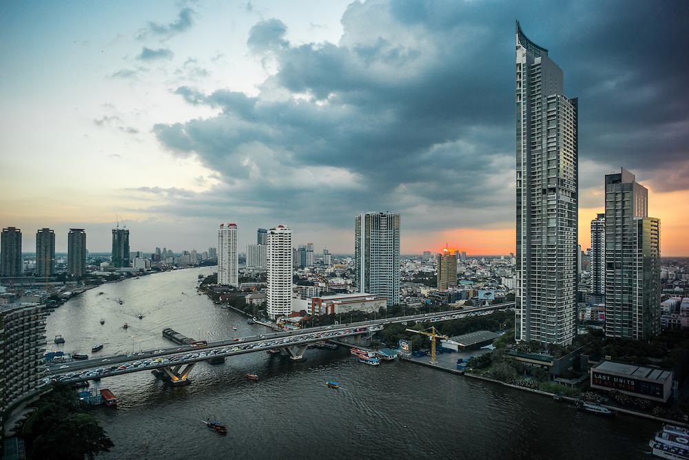 Chao Phraya river, Bangkok, Thailand, looking south from the Shangri-La hotel. November 2015. Photograph ©2015 Darren Carroll