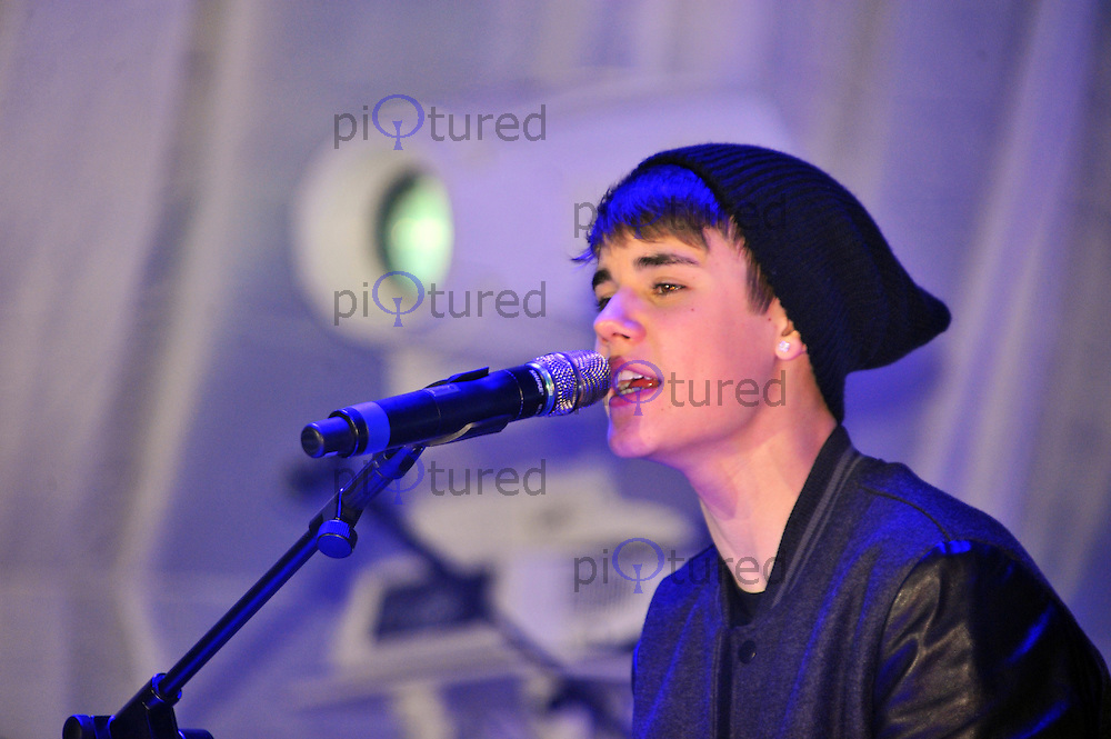 Justin Bieber switching-on Westfield Stratford City Christmas Lights ...