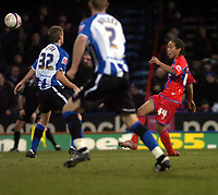 Photo: Matt Bright/Sportsbeat Images.<br /> Crystal Palace v Sheffield Wednesday. Coca Cola Championship. 15/12/2007.<br /> Sean Scannell chips home the winning goal for Crystal Palace