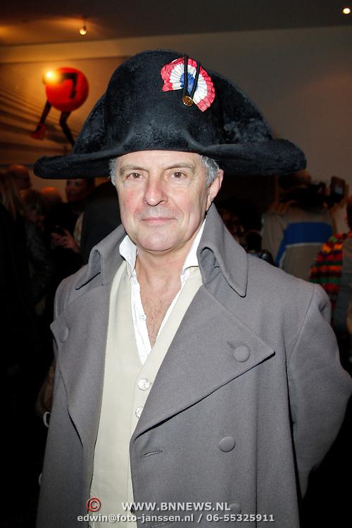 NLD/Amsterdam/20120306 - Premiere toneelstuk Napoleon op Sint-Helena, Huub Stapel verkleedt als Napoleon