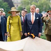 LUX/Luxembug/20180523 - Staatbezoek Luxemburg 2018 dag 1, kranslegging Willem-Alexander en Maxima