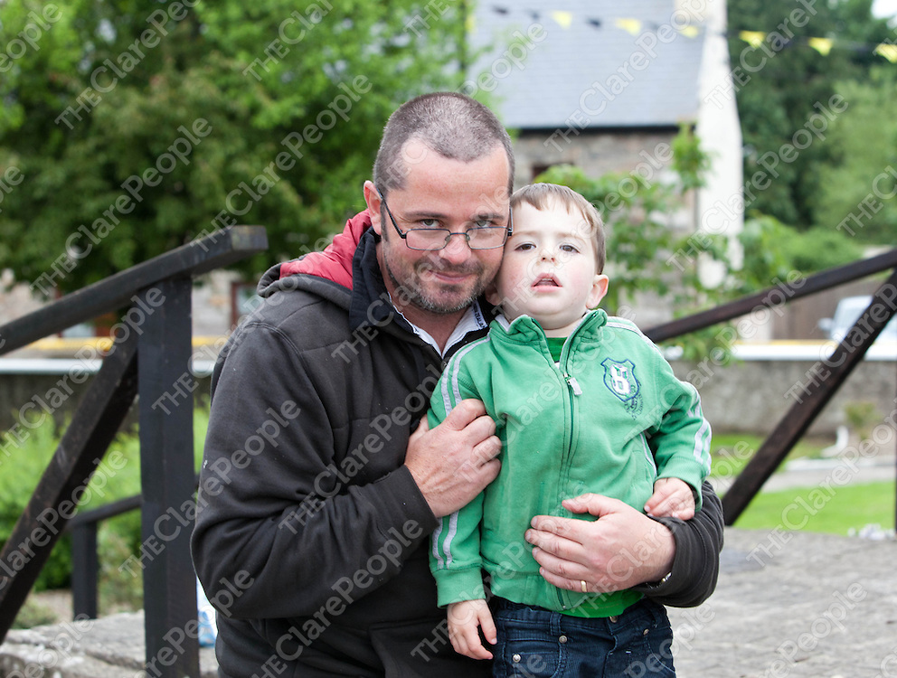 Aidan and Diarmuid Sheedy, Bodyke at the Tuamgraney Monster BBQ.<br /> Pic Press 22.