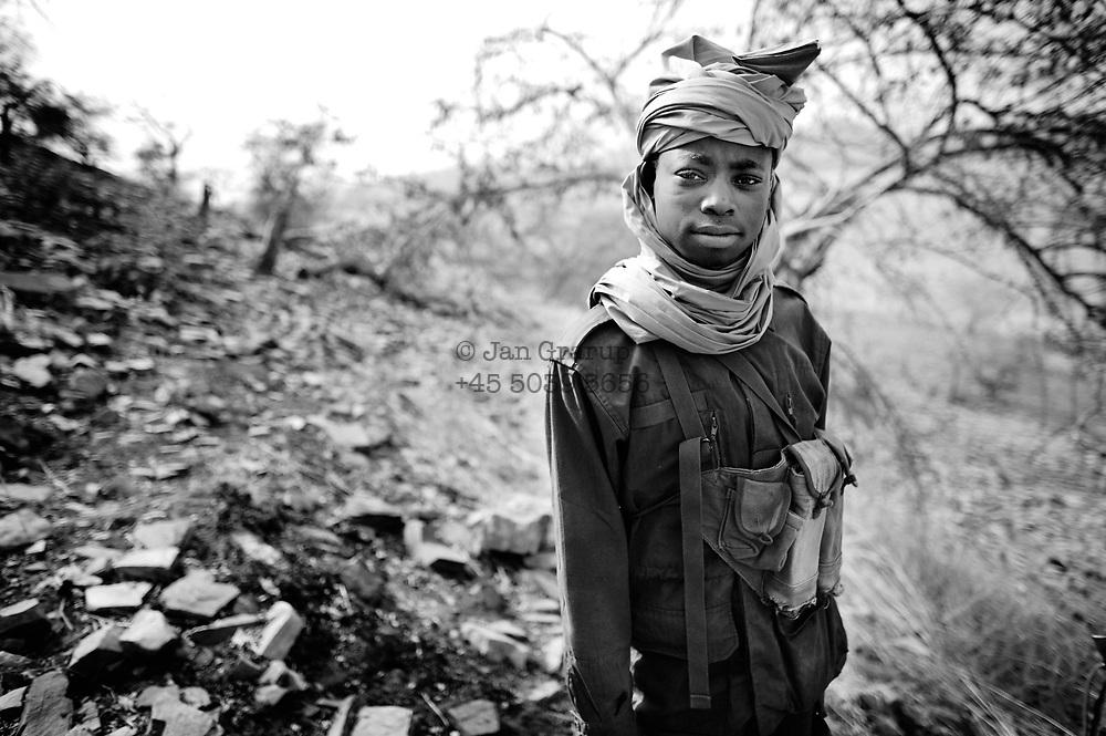 Iriba, eastern Chad - jan/feb. 2008<br /> <br /> Chad army on patrol in eastern chad -