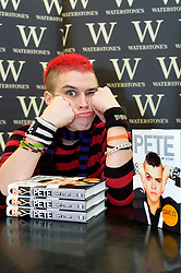 Pete Bennett The winner of Big Brother 7 in 2006 signing copies of his autobiography 'My Story' at Waterstone's Sheffield Orchard Square .Wednesday, 8 November 2006.Copyright Paul David Drabble