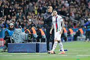 Mauro ICARDI (PSG) left the game under greeted by Thomas TUCHEL (PSG) during the UEFA Champions League, Group A football match between Paris Saint-Germain and Club Brugge on November 6, 2019 at Parc des Princes stadium in Paris, France - Photo Stephane Allaman / ProSportsImages / DPPI