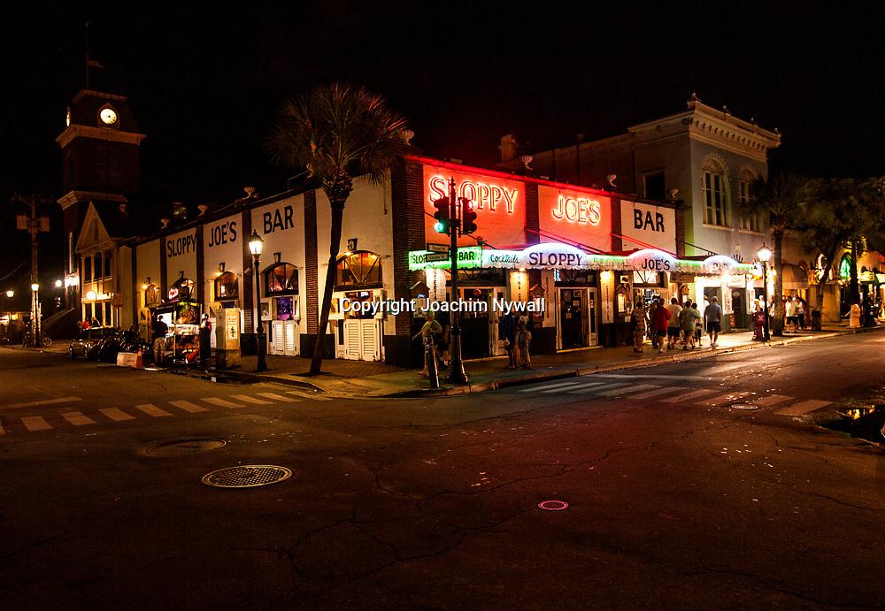 Key West 2015 11 23 Florida<br /> Klassiska Sloopy Joes Bar vid <br /> Duval street i Keywest <br /> Ernest Hemingways favorit pub<br /> <br /> FOTO : JOACHIM NYWALL KOD 0708840825_1<br /> COPYRIGHT JOACHIM NYWALL<br /> <br /> ***BETALBILD***<br /> Redovisas till <br /> NYWALL MEDIA AB<br /> Strandgatan 30<br /> 461 31 Trollh&auml;ttan<br /> Prislista enl BLF , om inget annat avtalas.