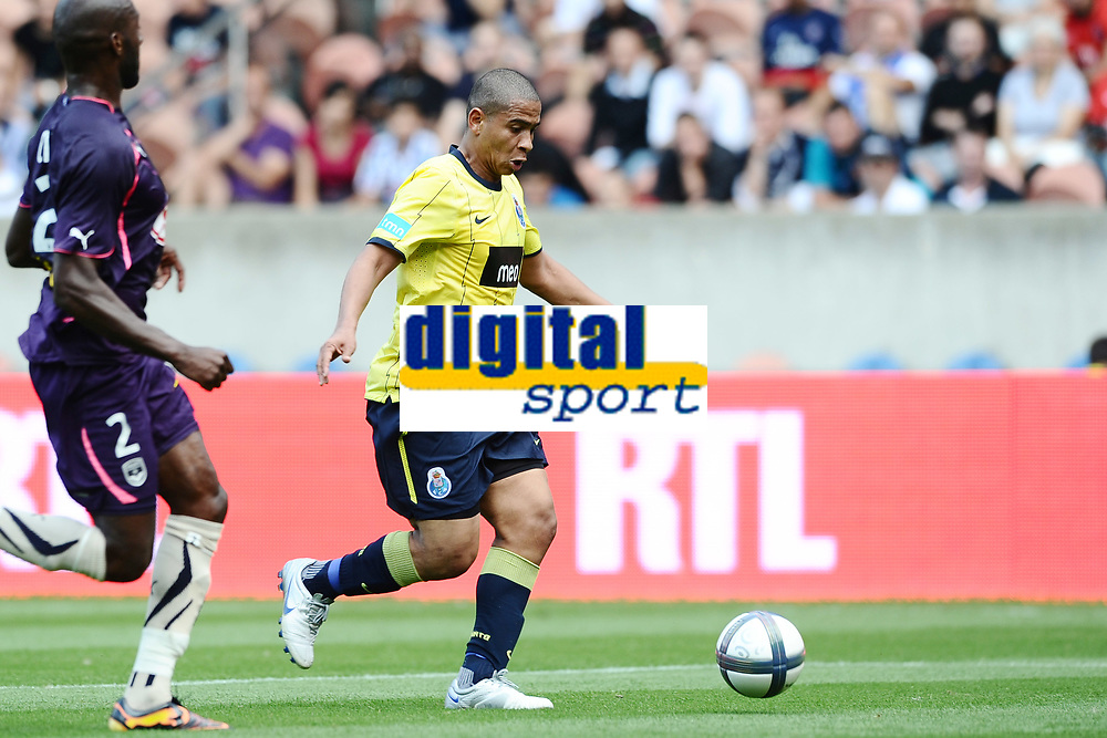 FOOTBALL - TOUNOI DE PARIS 2010 - FC PORTO v GIRONDINS BORDEAUX - 01/08/2010 - PHOTO GUY JEFFROY / DPPI - WALTER (PORTO)