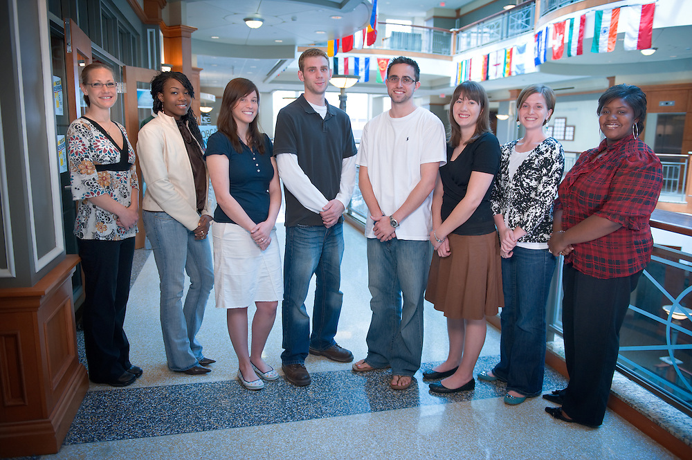 19263Student Help Center: Group Photo.left to right:.Molly Prudenti, Brandi Givens, Marissa Mizer, Justin Kish, John Yurkschatt, Katie Hendrickson, Angela Lash, Dreanne Lee