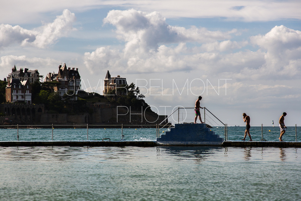 piscine d'eau de mer à Dinard à la plage de L'Ecluse