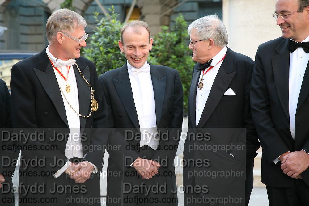 Sir Nicholas Grimshaw, Andrew Mar and David Hockney Royal Academy Annual Dinner. Piccadilly. London. 5 June 2007.  -DO NOT ARCHIVE-© Copyright Photograph by Dafydd Jones. 248 Clapham Rd. London SW9 0PZ. Tel 0207 820 0771. www.dafjones.com.