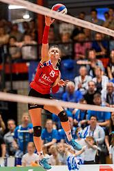 06-05-2017 NED: Finale play off Sliedrecht Sport - VC Sneek, Sliedrecht<br /> Sliedrecht is Nederlands kampioen 2016-2017 / Anniek Siebring #8 of Sneek