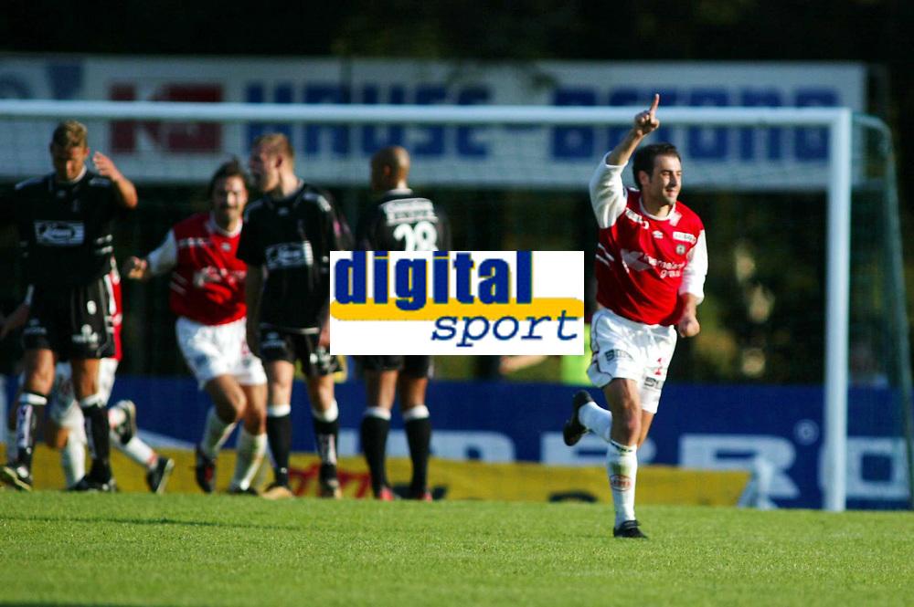Fotball, 18. august 2002. Tippeligaen, Bryne - Sogndal 3-0. Pierre Gallo, Byne, scoret tre mål.