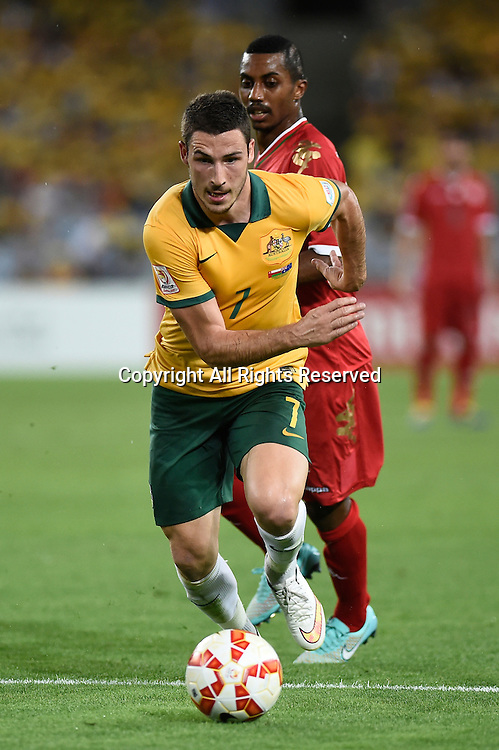13.01.2015.  Sydney, Australia. AFC Asian Cup Group A. Australia versus Oman. Australian forward Mathew Leckie breaks away from his defender. Australia won the game 4-0.