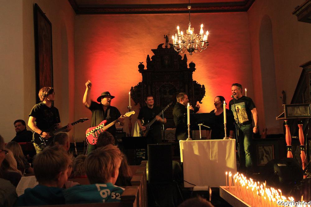 Heavyrockgudstjeneste i Selbu kirke. Ble arrangert for aller første gang med 550 personer i en smekkfull kirke.