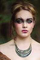 portraits at home with lisa in whitianga on the coromandel with her beautiful catsby felicity jean photography coromandel photographer