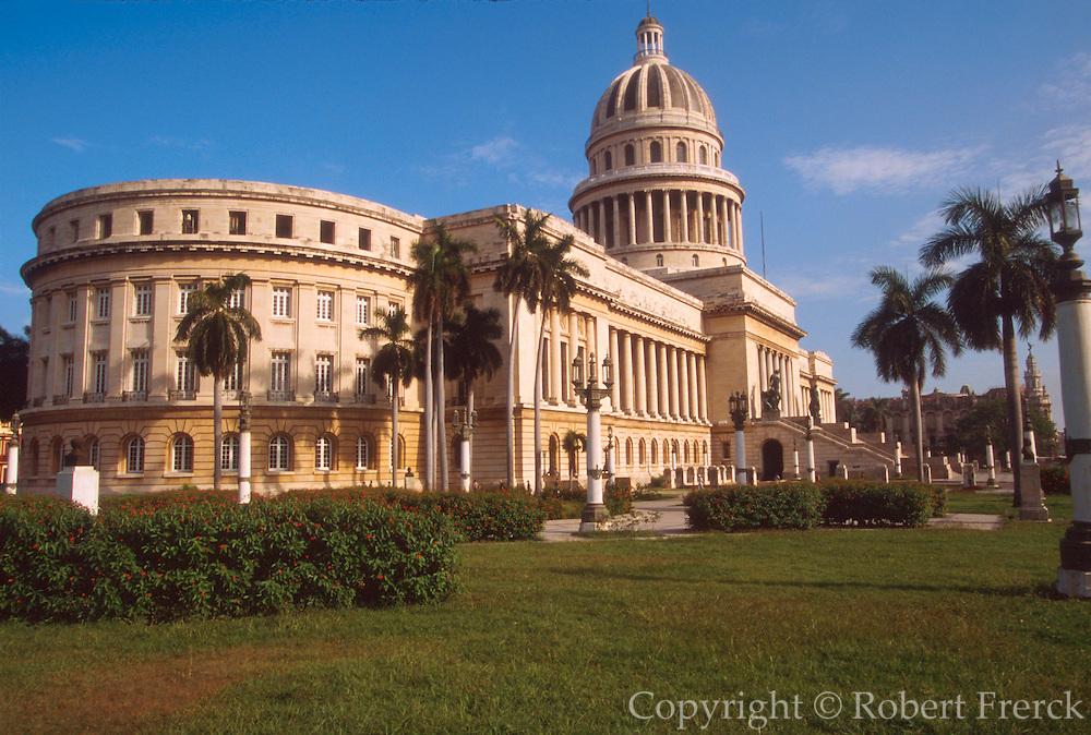 CUBA, CENTRO HAVANA Capitolio Nacional, built in 1929