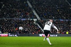Wayne Rooney of Derby County delivers a free kick which helps assist Jack Marriott of Derby County to score a goal to make it 1-0 - Mandatory by-line: Robbie Stephenson/JMP - 02/01/2020 - FOOTBALL - Pride Park Stadium - Derby, England - Derby County v Barnsley - Sky Bet Championship