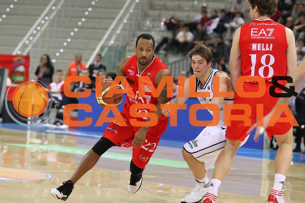 DESCRIZIONE : Torino Coppa Italia Final Eight 2012 Quarto di Finale EA7 Emporio Armani Milano Canadian Solar Bologna<br /> GIOCATORE : Jr Ernest Bremer<br /> SQUADRA : EA7 Emporio Armani Milano<br /> EVENTO : Suisse Gas Basket Coppa Italia Final Eight 2012<br /> GARA : EA7 Emporio Armani Milano Canadian Solar Bologna<br /> DATA : 16/02/2012<br /> CATEGORIA : palleggio<br /> SPORT : Pallacanestro<br /> AUTORE : Agenzia Ciamillo-Castoria/ElioCastoria<br /> Galleria : Final Eight Coppa Italia 2012<br /> Fotonotizia : Torino Coppa Italia Final Eight 2012 Quarto di Finale EA7 Emporio Armani Milano Canadian Solar Bologna<br /> Predefinita :