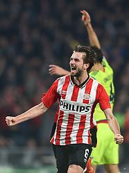 08-12-2015 NED: UEFA CL PSV - CSKA Moskou, Eindhoven<br /> PSV wint met 2-1 en plaatst zich voor de volgende ronde in de CL / Davy Propper #6 scoort de 2-1
