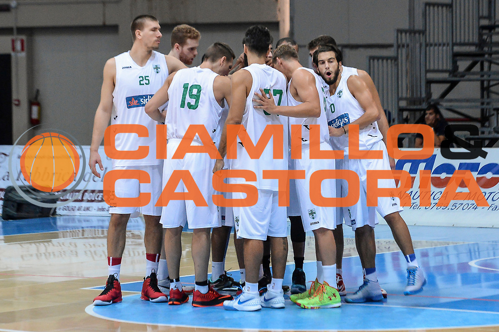 DESCRIZIONE : 3° Torneo Internazionale Geovillage Olbia Sidigas Scandone Avellino - Brose Basket Bamberg<br /> GIOCATORE : Team Sidigas Scandone Avellino<br /> CATEGORIA : Before Pregame Fair Play<br /> SQUADRA : Sidigas Scandone Avellino<br /> EVENTO : 3° Torneo Internazionale Geovillage Olbia<br /> GARA : 3° Torneo Internazionale Geovillage Olbia Sidigas Scandone Avellino - Brose Basket Bamberg<br /> DATA : 05/09/2015<br /> SPORT : Pallacanestro <br /> AUTORE : Agenzia Ciamillo-Castoria/L.Canu