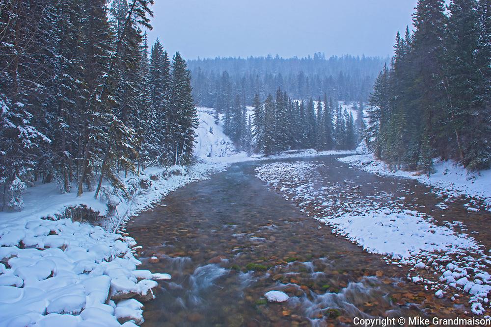 Maligne River, Jasper National Park, Alberta, Canada
