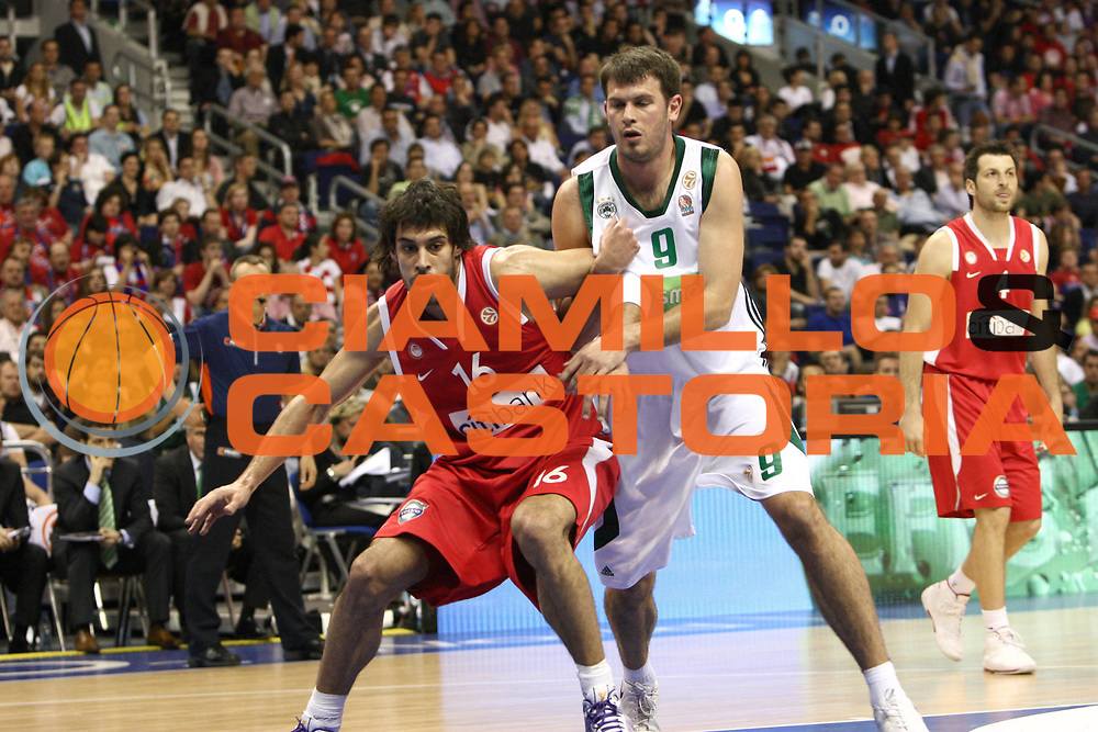 DESCRIZIONE : Berlino Eurolega 2008-09 Final Four Semifinale Olimpiacos Panathinaikos Atene<br /> GIOCATORE : Georgios Printezis<br /> SQUADRA : Olimpiacos<br /> EVENTO : Eurolega 2008-2009 <br /> GARA : Olimpiacos Panathinaikos Atene<br /> DATA : 01/05/2009 <br /> CATEGORIA : Taglia Fuori<br /> SPORT : Pallacanestro <br /> AUTORE : Agenzia Ciamillo-Castoria/C.De Massis