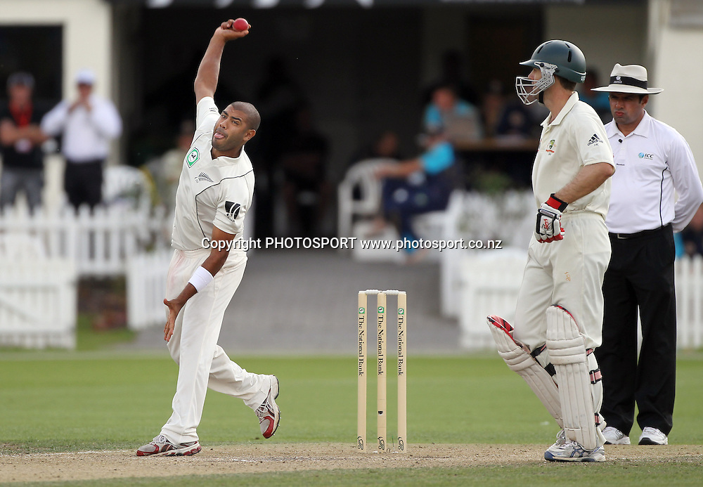Jeetan Patel bowling.<br />